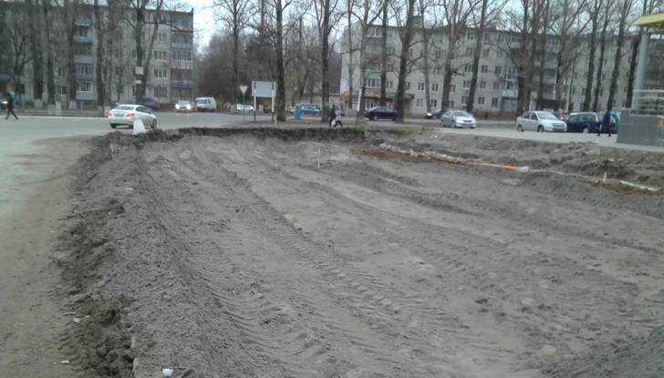 Строительство дороги на улице Романа Брянского уперлось в «горло»