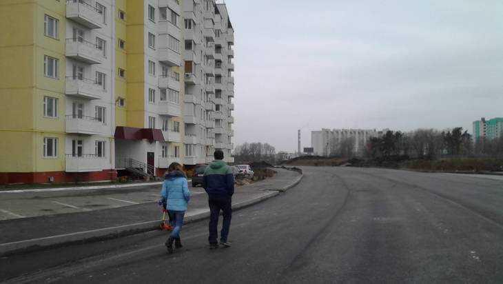 На новой объездной дороге на улице Романа Брянского нанесли разметку