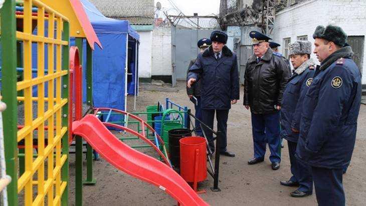 Брянский прокурор выявил нехватку врачей в колонии №1