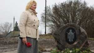 В Овстуге установили памятный знак на месте церкви святой Параскевы