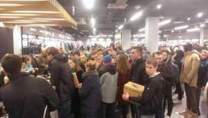 Покупателей брянского магазина Adidas обвинили в подмене товара