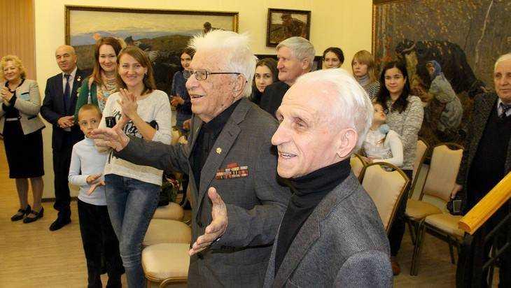 В Брянске отпраздновали 95-летие художника Сергея Ткачева