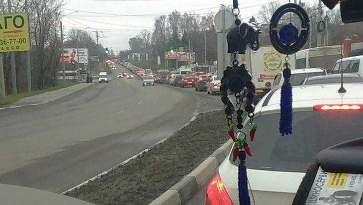 В Брянске на Городищенской горке образовалась огромная пробка