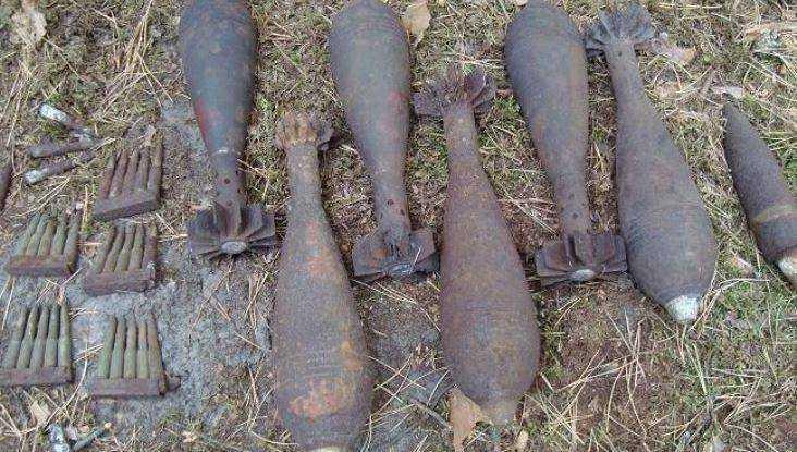 В поле в Севском районе нашли 21 мину времён войны