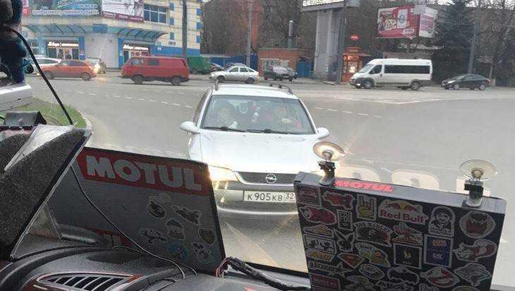 В Брянске кольцо у «Полтинника» околдовало очередного брянского водителя