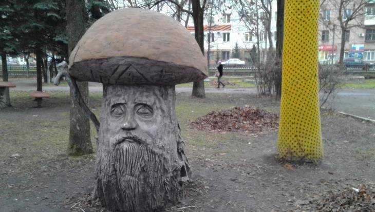 Спор о киосках в брянском парке «Юность» привел к угрозе сноса скульптур
