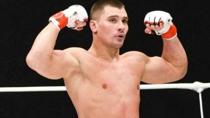 Брянский боец Артур Астахов сразится против Шамиля Ахмедова
