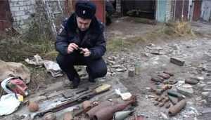 Полиция обнаружила в гараже брянца 11 снарядов, 5 мин и 88 патронов