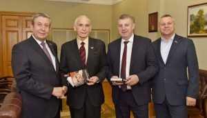 Василий Лановой рассказал губернатору Богомазу о любви к Брянщине