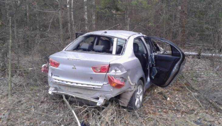 Под Брянском перевернулась иномарка – пострадали 4 человека