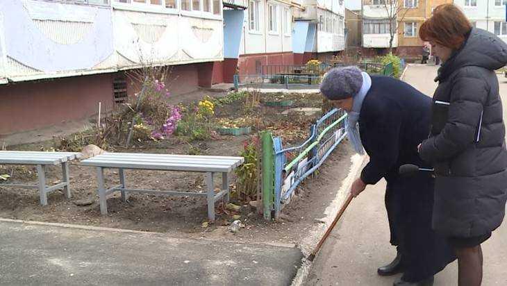 В Брянске жители Почтовой возмутились плохим ремонтом двора