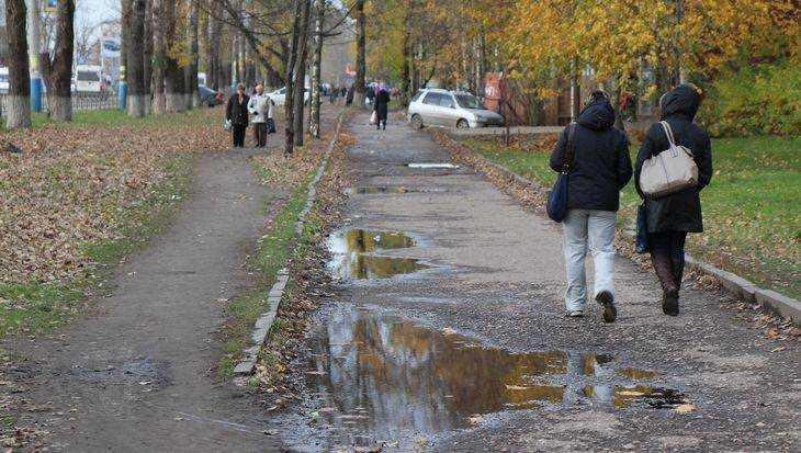 В Брянске отремонтируют опасные тротуары