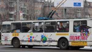 В Брянске водитель троллейбуса сломал ногу и руку 52-летней пассажирке