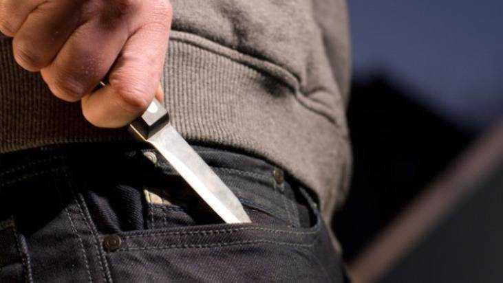 В Почепе пьяный мужчина перерезал артерию 37-летней сожительнице