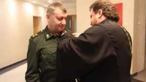 Руководителей Смоленской военной академии наградили медалью Олега Брянского