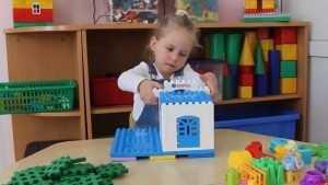 Девочка из Брянска удивила на всероссийском конкурсе робототехники