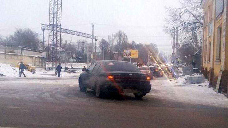 В Брянске после ремонта открыли переезд у станции Орджоникидзеград