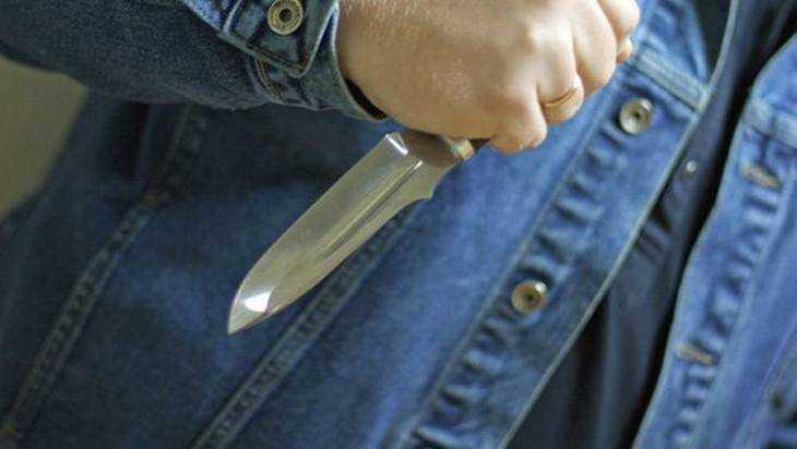В Новозыбкове 28-летнего мужчину ранили ножом в живот