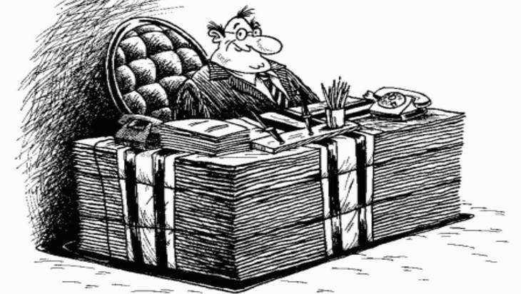 В Клинцах 17 чиновников наказали за ложь о доходах