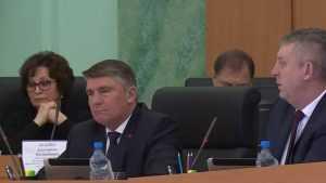 В Брянской думе случился жесткий спор Богомаза и сенатора Лаховой