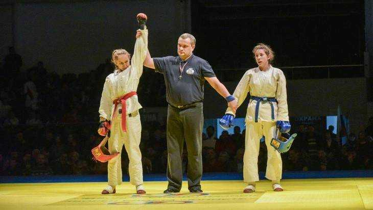 Брянская студентка стала чемпионкой России по рукопашному бою