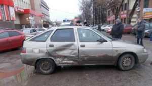 В Брянске «ВАЗ» с 12-летним школьником врезался в Renault Logan