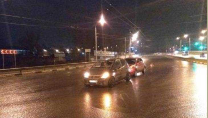 В Брянске из-за не поделивших дорогу автомобилисток ранена школьница