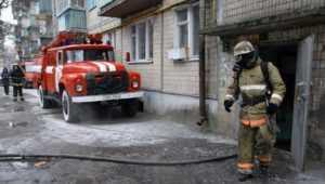 В Брянске из-за пожара эвакуировали 5 жильцов дома на улице Почтовой