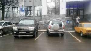 В Брянске сфотографировали автомобиль богатого «инвалида»