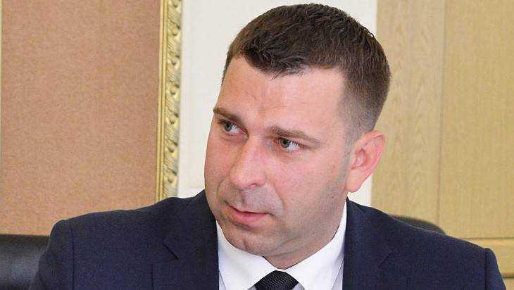 Почепского главу наказали за автомобили