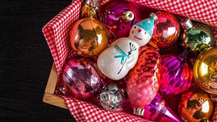 Жителей Брянска призвали поделиться новогодними украшениями