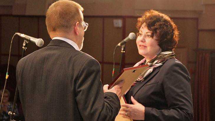 Жена начальника Брянского УМВД подала в суд на бывшего полицейского