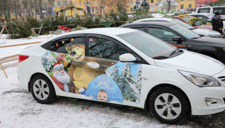 В Брянске выбрали карету снегурочки и новогоднее чудо на колёсах