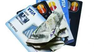 Информацию о льготах россиян предлагают записать на банковские карты