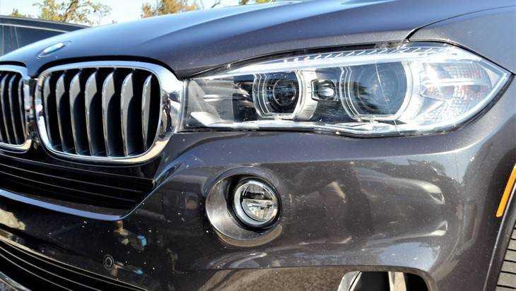 В Брянске в ДТП с BMW пострадала 57-летняя женщина из «скорой»