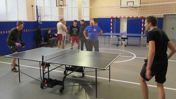 Под Брянском прошел турнир теннисистов