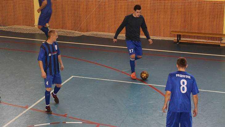 В Погаре прошел турнир по мини-футболу
