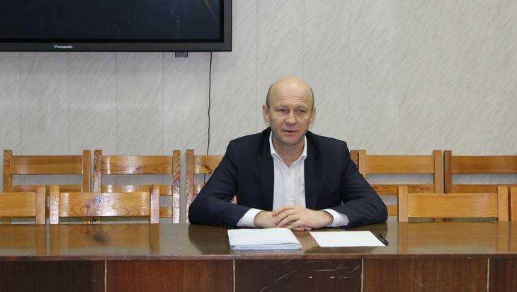 Заместитель брянского губернатора призвал вовремя ремонтировать дороги