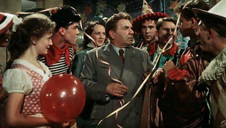 Брянцев пригласили отпраздновать Новый год по-советски