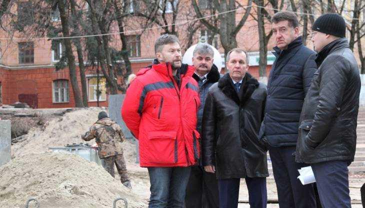 В Брянске обновленную лестницу бульвара Гагарина сдадут в январе
