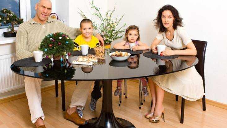 Брянский депутат Валуев раскрыл секрет семейного счастья