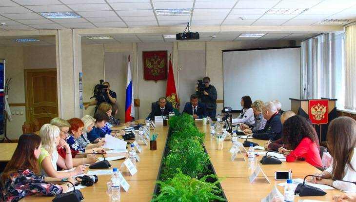 Глава Брянска Хлиманков и мэр Макаров поздравили журналистов