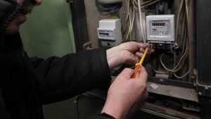 В Стародубе дельцы начали навязывать дорогие электросчетчики