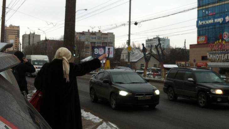 Закрытие остановки у ТРЦ Тимошковых озадачило брянских пассажиров