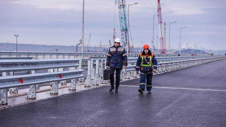 Валуев и строители передали брянцам привет с Крымского моста