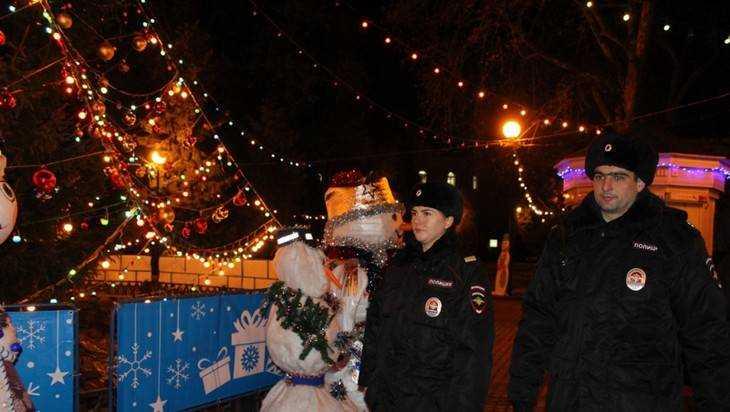 В новогоднюю ночь на гуляния к елкам вышли 12 тысяч брянцев