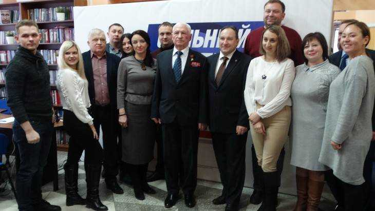 В Брянске открыли избирательный штаб Владимира Путина