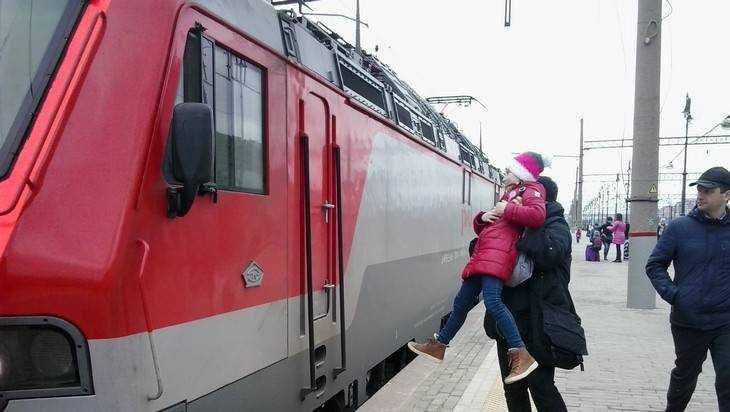 Брянским детям разрешат с 10 лет ездить в поездах без родителей