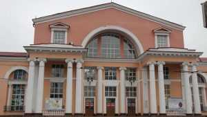 В Брянске полиция оцепила вокзал