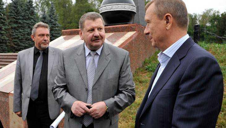 Экс-дорожника Таланова будут судить за взлетную полосу под Навлей